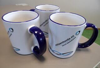Kahvimukki logolla